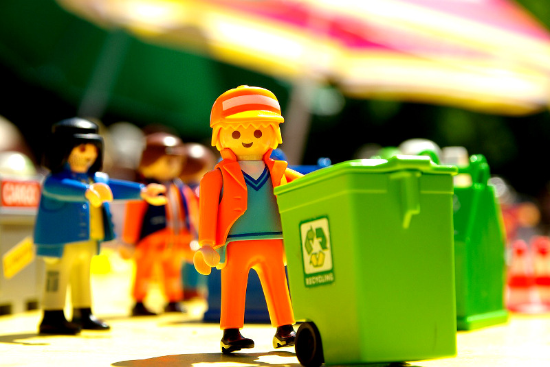lego man and trash can | thelocalne.ws
